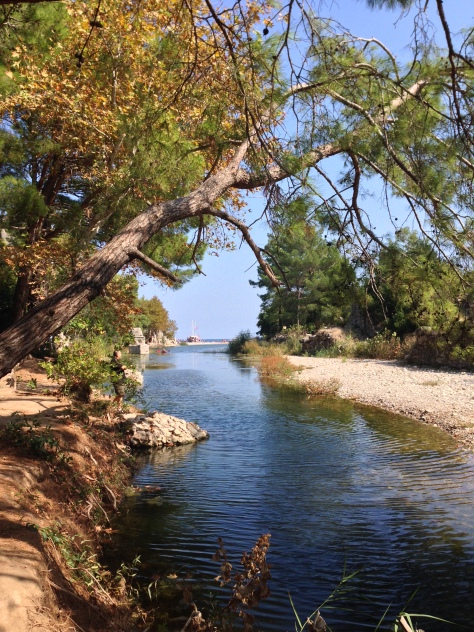 The Ulupınar stream trickling down the beach