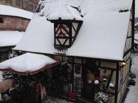 A little craft shop, reminding me of the Seven Dwarves' cottage.