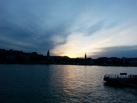 A cloudy sunset over the Danube